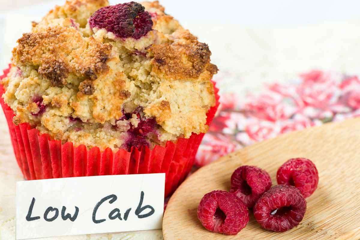 Muffin and raspberries, low-carb desserts